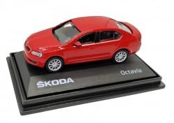 Model Škoda Octavia (1 : 72) červená