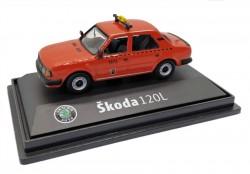 Model Škoda 120 L Taxi DP (1 : 72) červené