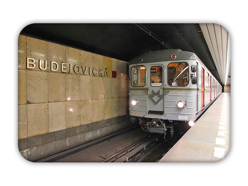 Magnetka s historickým metrem Ečs na Budějovické