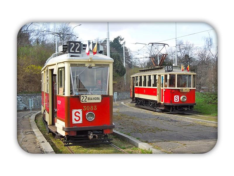 Magnetka s historickými tramvajemi na Dlabačově