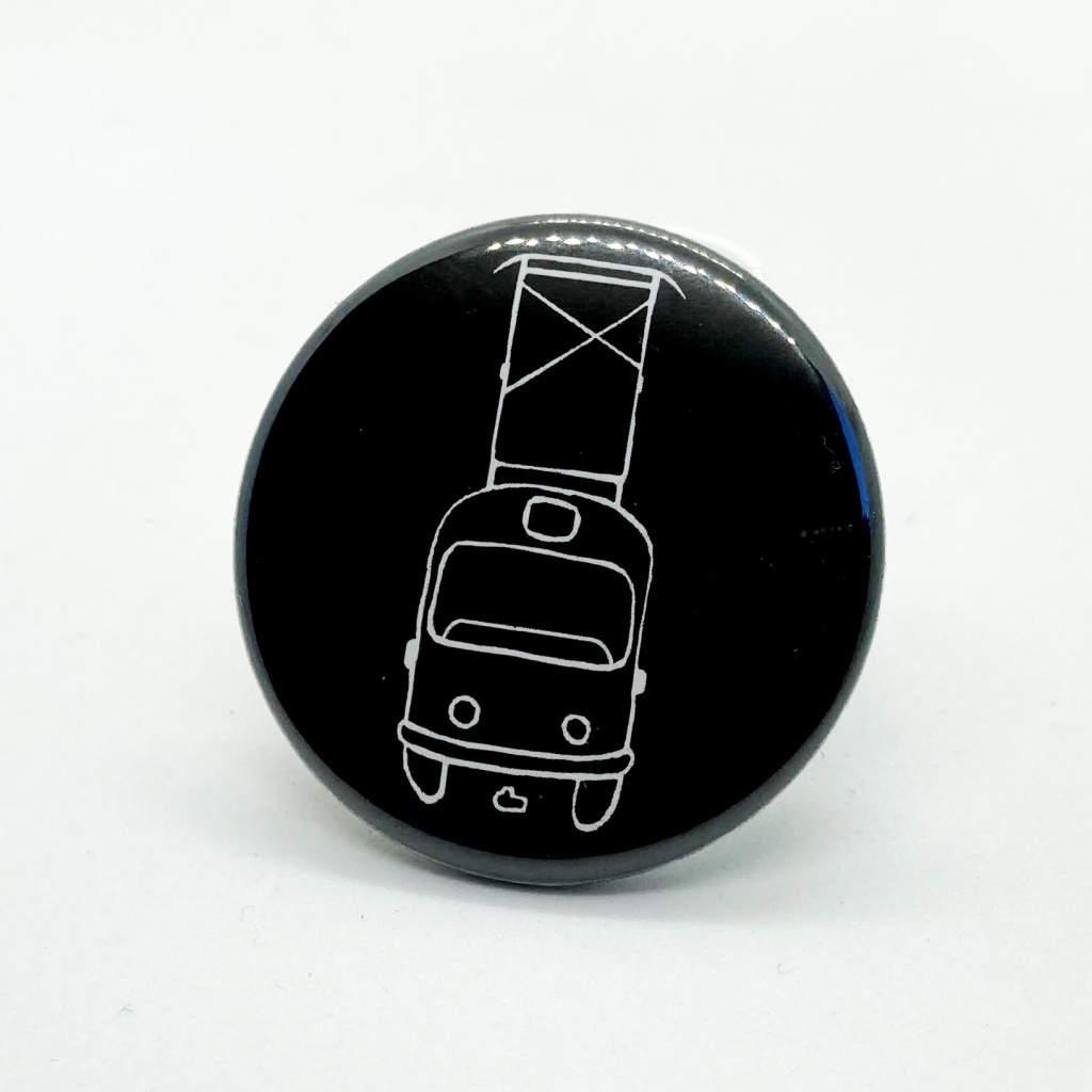 Malá kulatá magnetka s tramvají