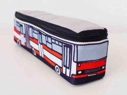 Penál ve tvaru kloubového autobusu
