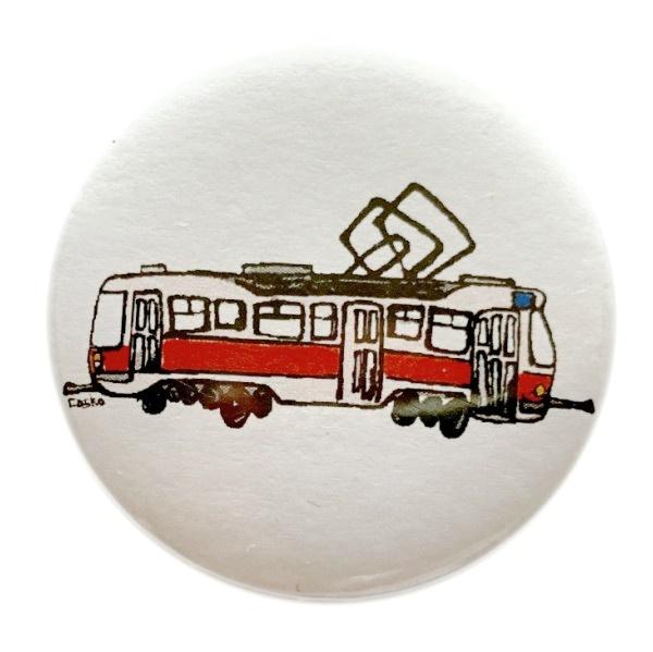 Kulatý odznak s kreslenou tramvají T3